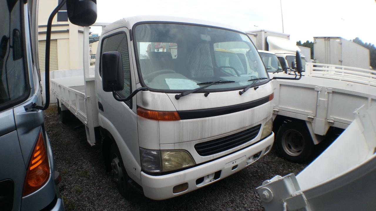 f7b2c7f1a9 Toyota XZU411 Cargo Truck